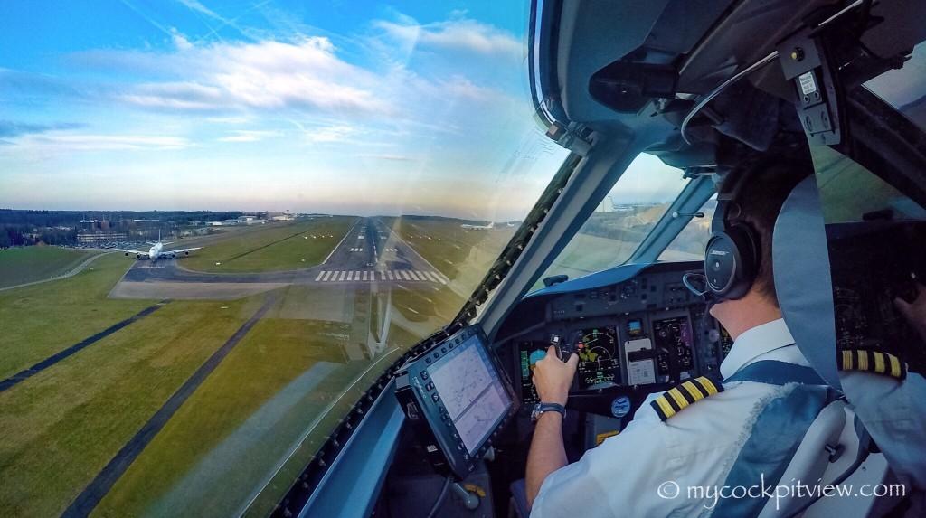 Myccockpitview. Short final runway 06 in Luxembourg, Bombardier Dash8 Q400