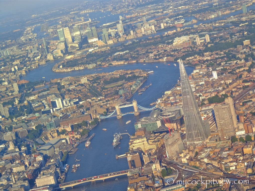 Flying to London City Airport is just amazing. Every day is different, with a different sky, a different light... Circling around the city when runway 09 is in use is priceless!  Mycockpitview