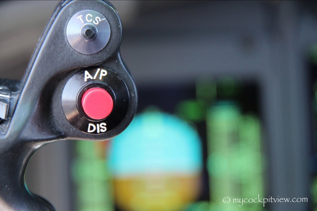 Mycockpitview. Autopilot disconnect button. Bombardier dash8 q400