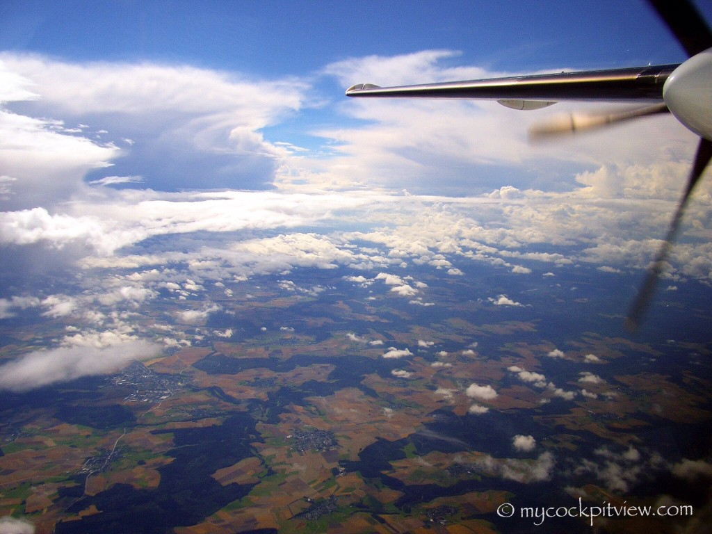 Mycockpitview. Cumulonimbus clouds as seen from the right seat of a Fokker 50
