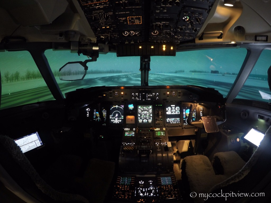 Mycockpitview. Bombardier Dash8 Q400 full flight simulator. Lufthansa flight training vienna.