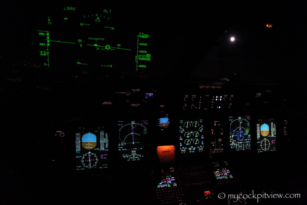 Night cockpit view, Bombardier Q400