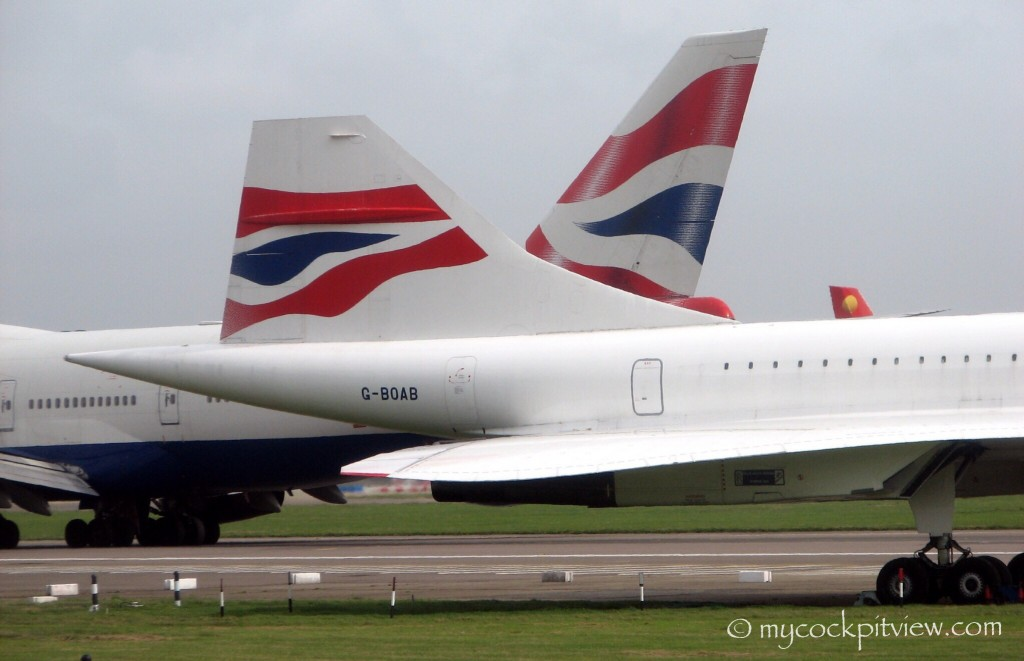 British Airways Concorde vs Boeing 747, London Heathrow
