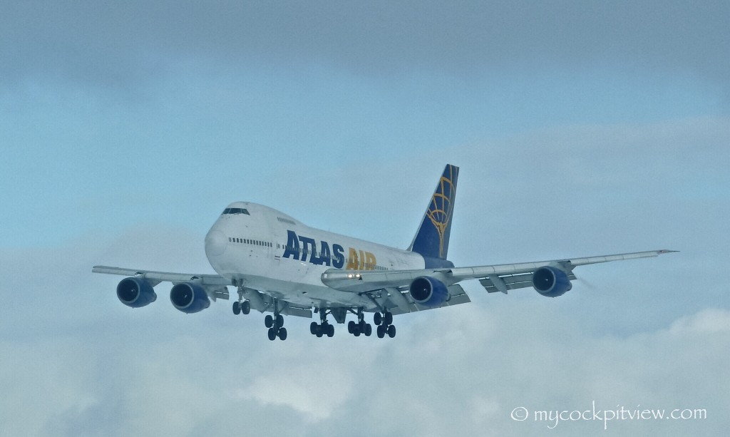 Atlas air old Boeing 747-200 landing in Frankfurt Hahn (EDDH)
