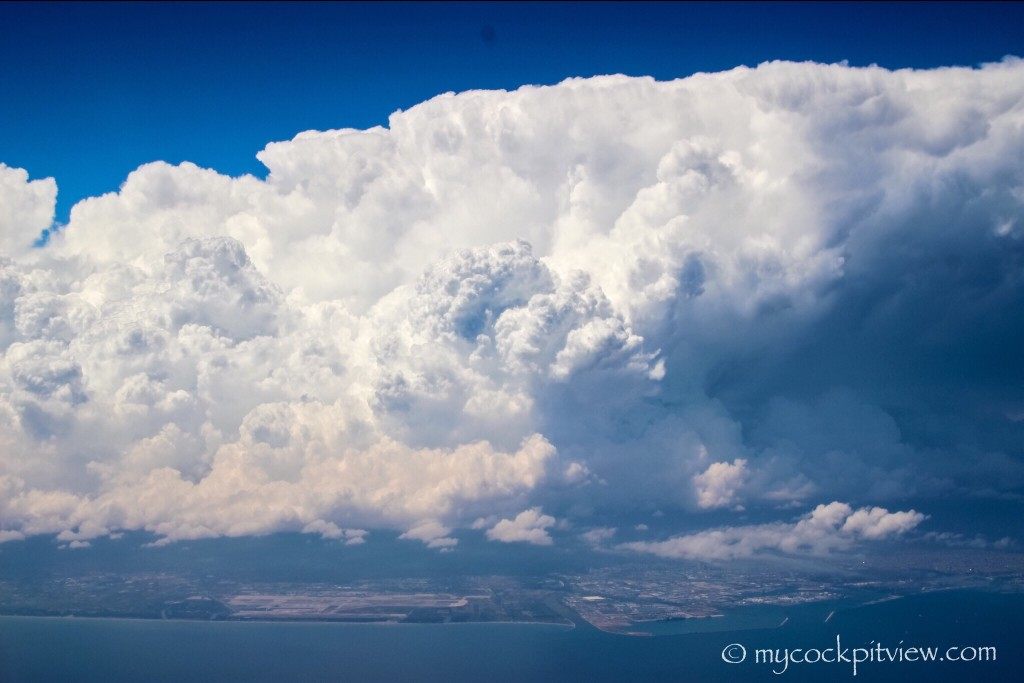 Huge cumulonimbus cloud over Barcelona. Mycockpitview