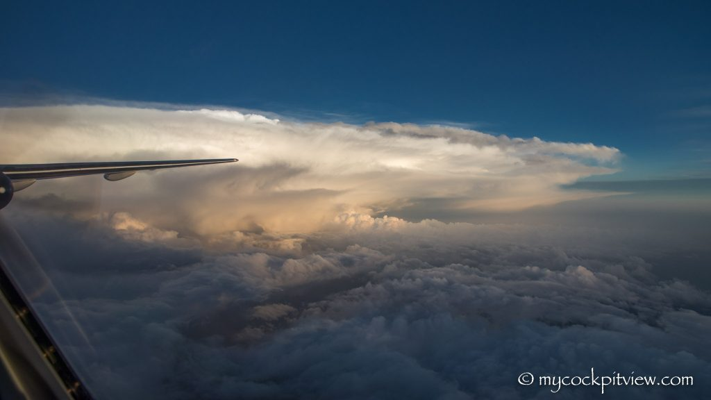 Cumulonimbus cloud over Germany, Mycockpitview